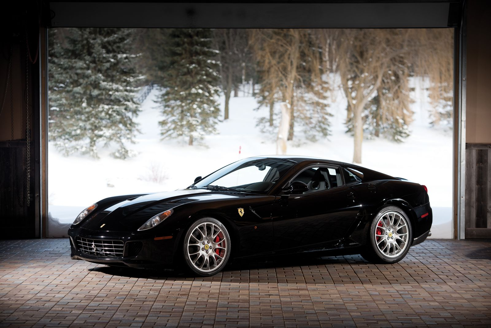 manual ferrari 599 gtb sells for crazy 682 000 gtspirit. Black Bedroom Furniture Sets. Home Design Ideas