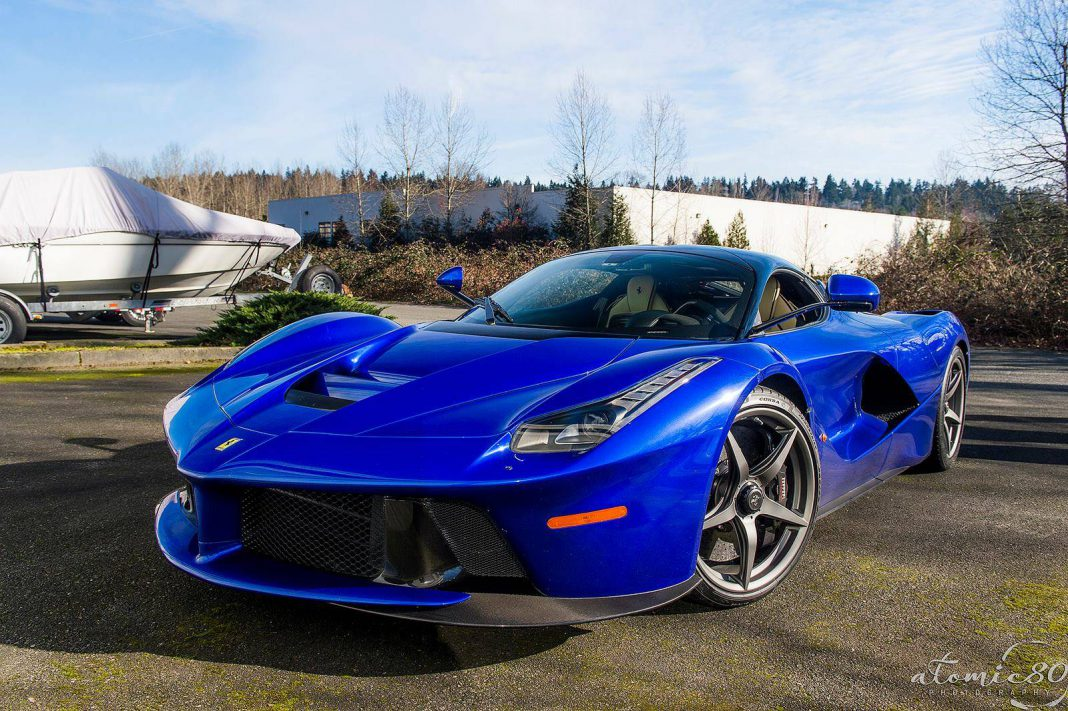 stunning blue ferrari laferrari in washington gtspirit. Black Bedroom Furniture Sets. Home Design Ideas