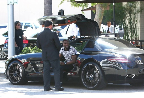 Kevin Hart Snapped In His Black Mercedes Benz Sls Amg