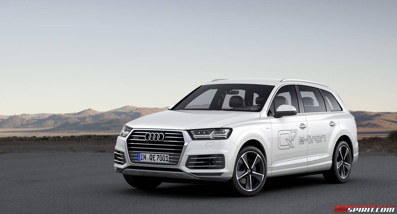 Official: 2015 Audi Q7 e-Tron - GTspirit