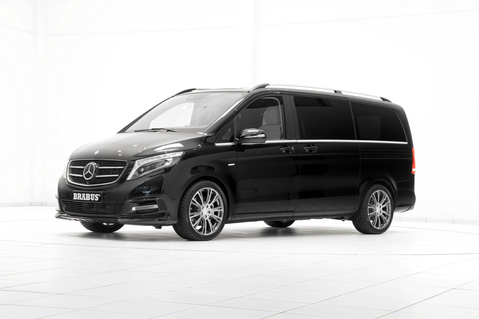 Official brabus mercedes benz v class gtspirit for Mercedes benz g class brabus