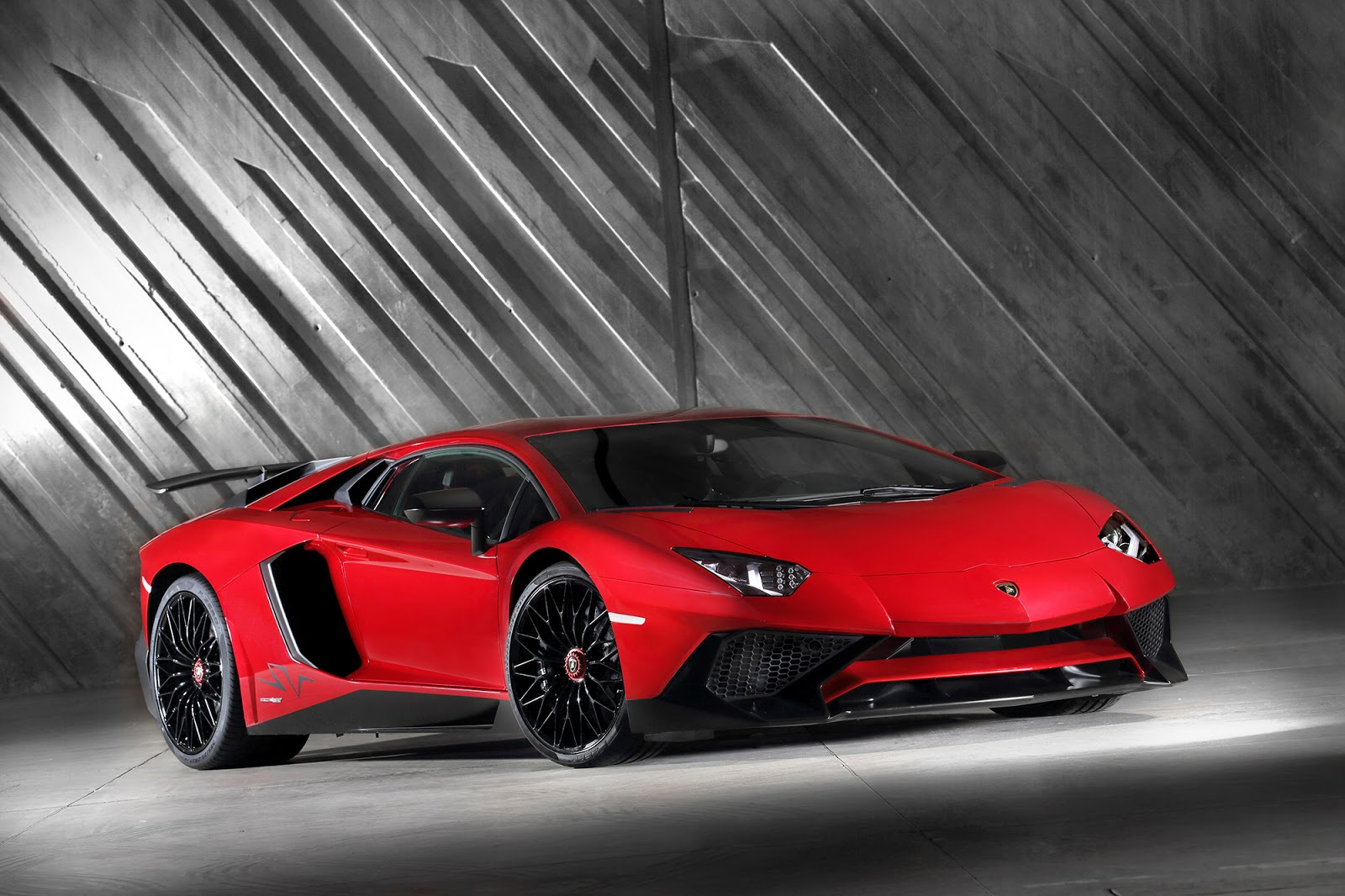 video brutal lamborghini aventador sv acceleration gtspirit. Black Bedroom Furniture Sets. Home Design Ideas