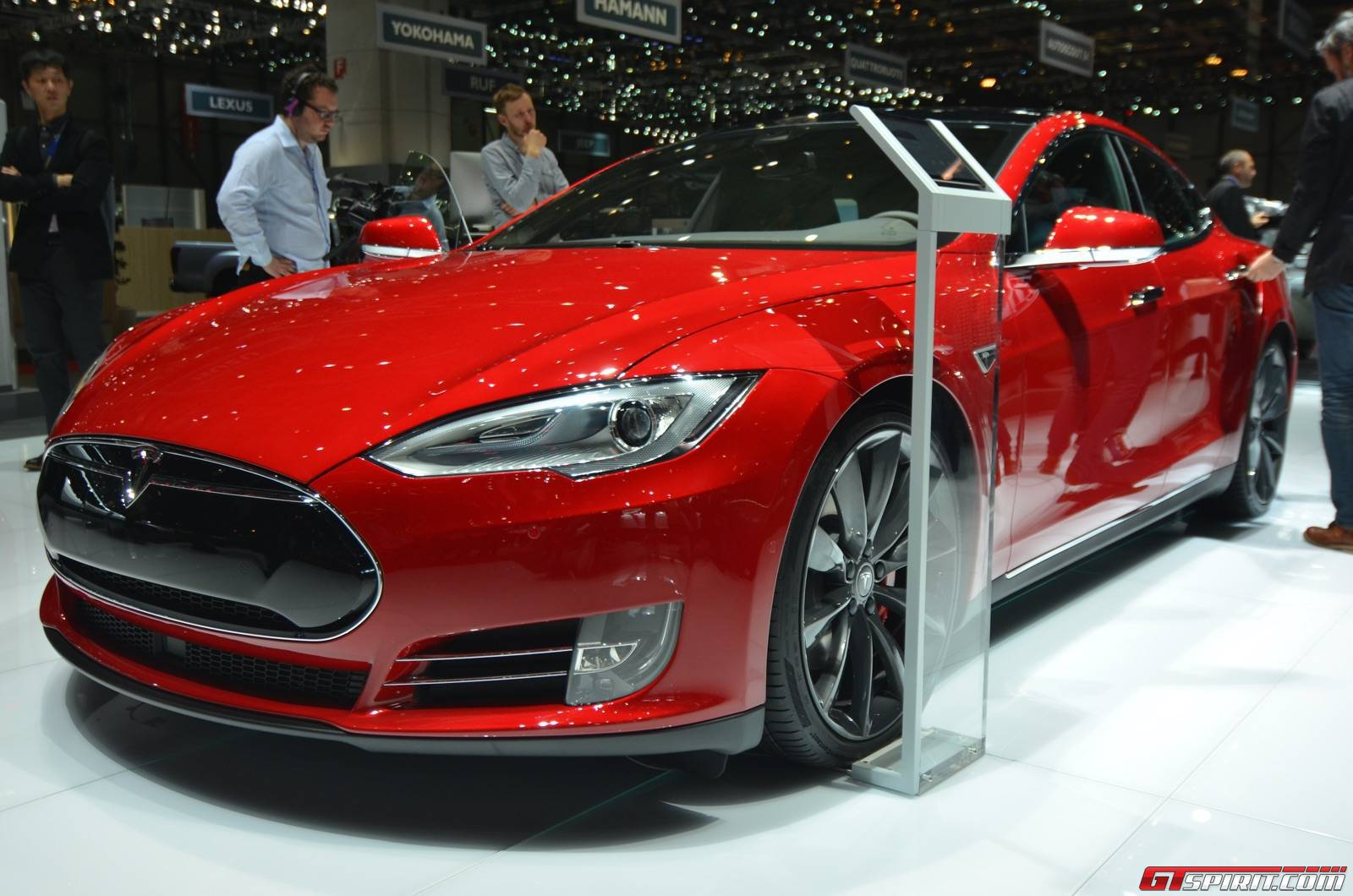 geneva 2015 tesla model s p85d. Black Bedroom Furniture Sets. Home Design Ideas
