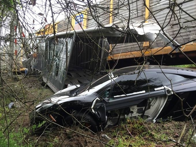 Mclaren 12c Destroyed After Trailer Is Hit By Train Gtspirit