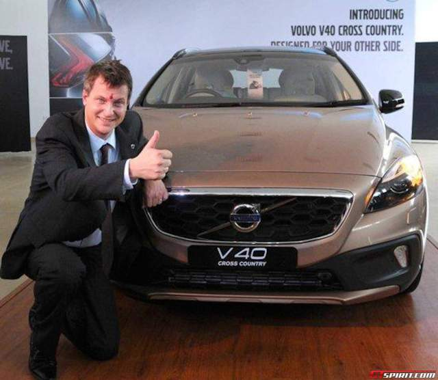 volvo-v40-cross-country-diesel-india-launch