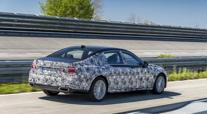 2016-BMW-7-Series-29