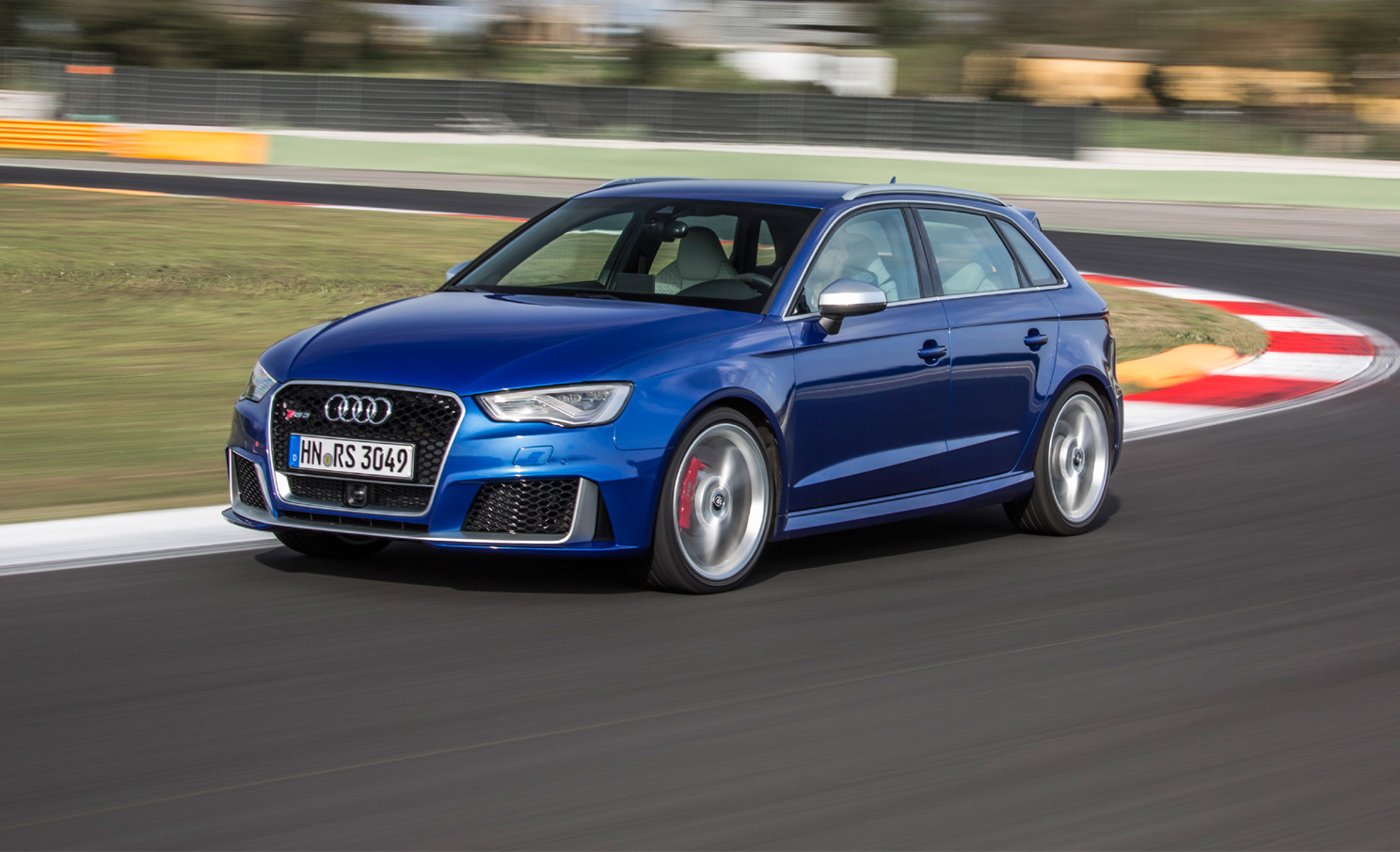 2016 audi rs3 sportback review gtspirit. Black Bedroom Furniture Sets. Home Design Ideas