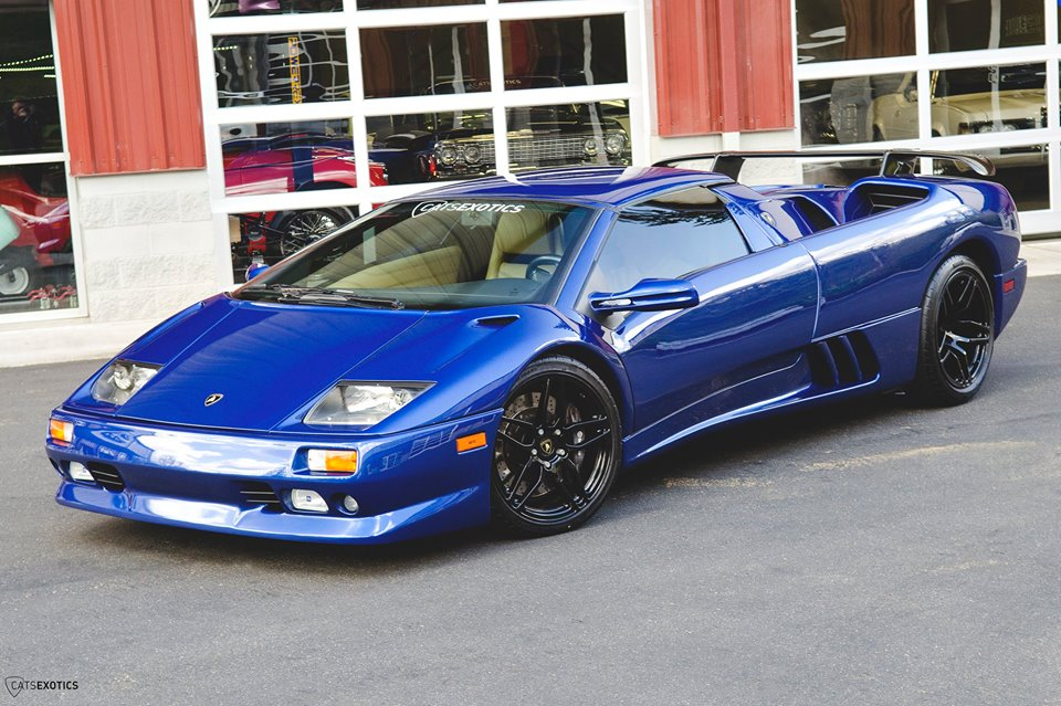 Blue Flake Metallic Lamborghini Diablo Roadster