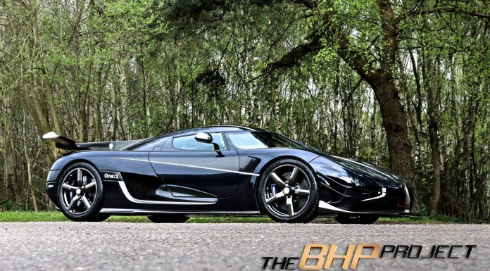 Blue Carbon Koenigsegg One:1 Side