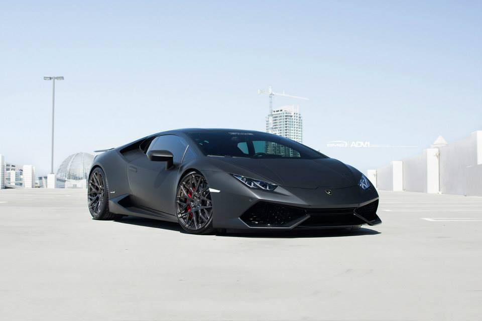 stunning black lamborghini huracan with liquid smoke adv 1 wheels gtspirit. Black Bedroom Furniture Sets. Home Design Ideas