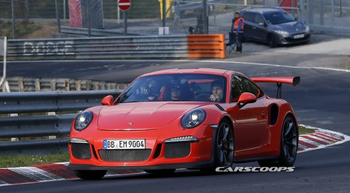 Mark-Webber-Porsche-GT3-RS-991-1