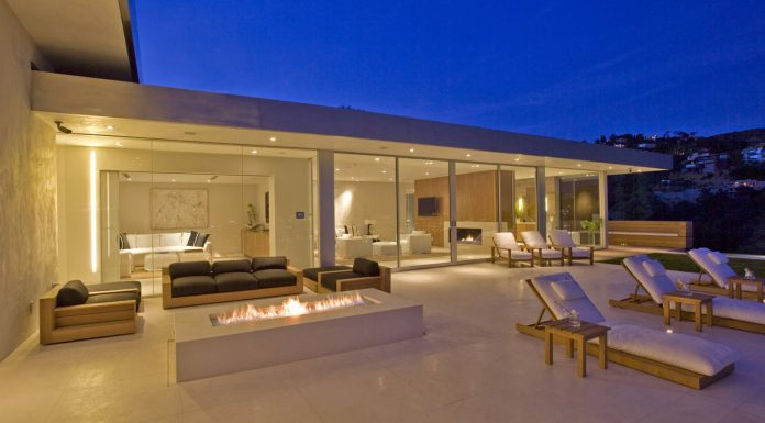 1970 Los Angeles Home Gets a Modern Spectacular Remake