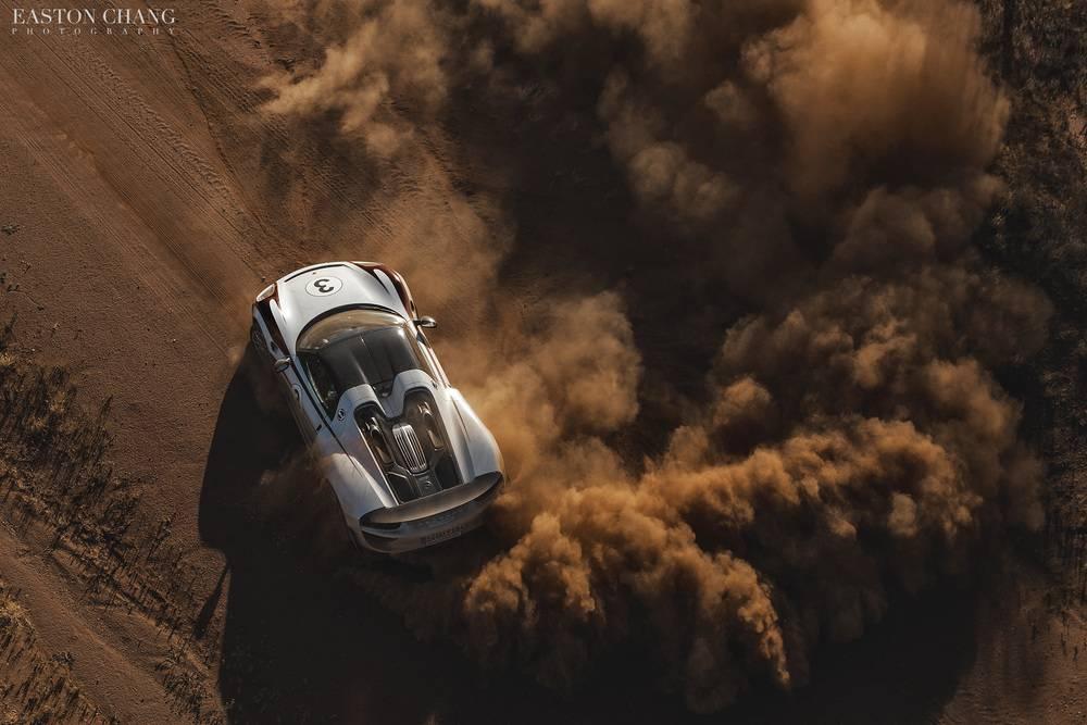 Porsche 918 Spyder dust cloud