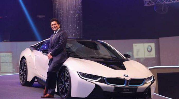 Sachin Tendulkar with the BMW i8 in India