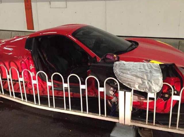 Ferrari 458 Spider and Lamborghini Gallardo Crashed in China