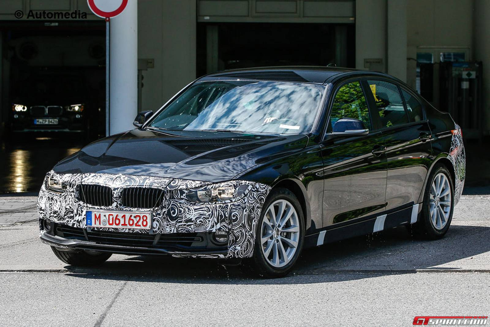 new bmw 3 series facelift spy shots with less camo gtspirit. Black Bedroom Furniture Sets. Home Design Ideas
