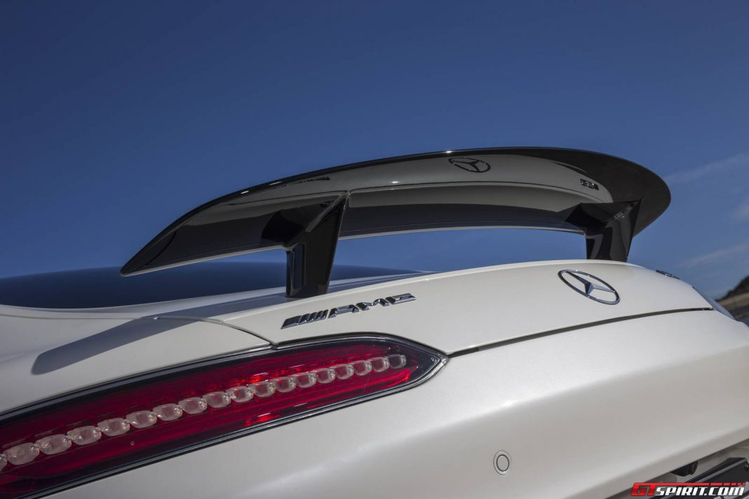 Daimler developing household and business battery packs