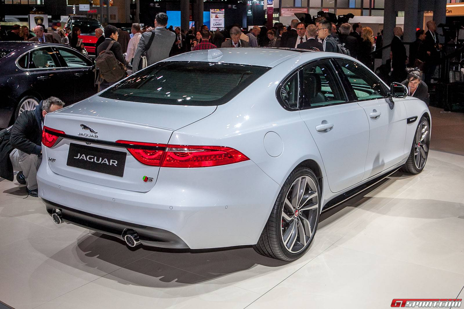 new york 2015 2016 jaguar xf gtspirit. Black Bedroom Furniture Sets. Home Design Ideas