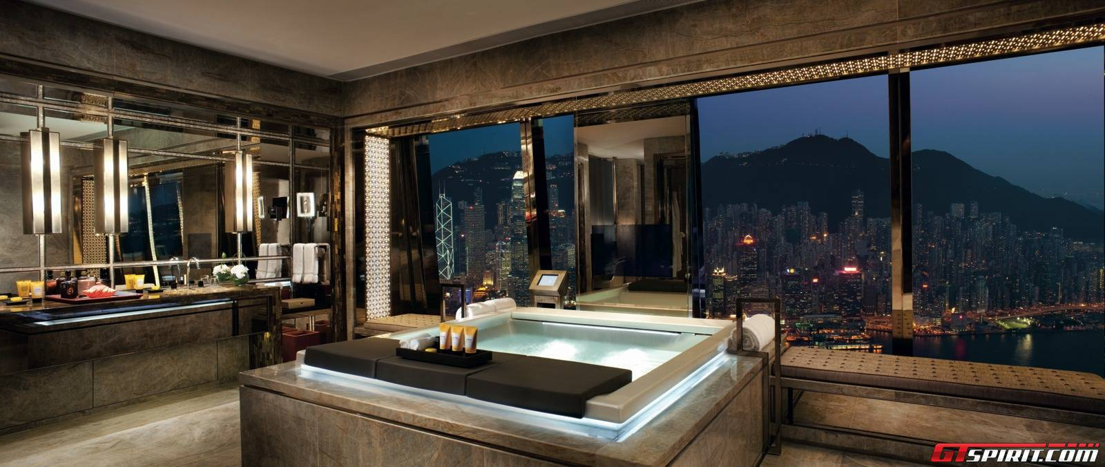 Alto bathroom suite