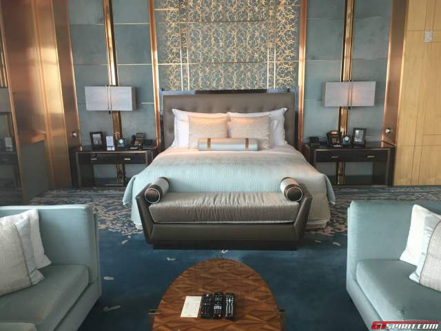 Ritz Carlton Hong Kong Hotel Presidential Suite Bed