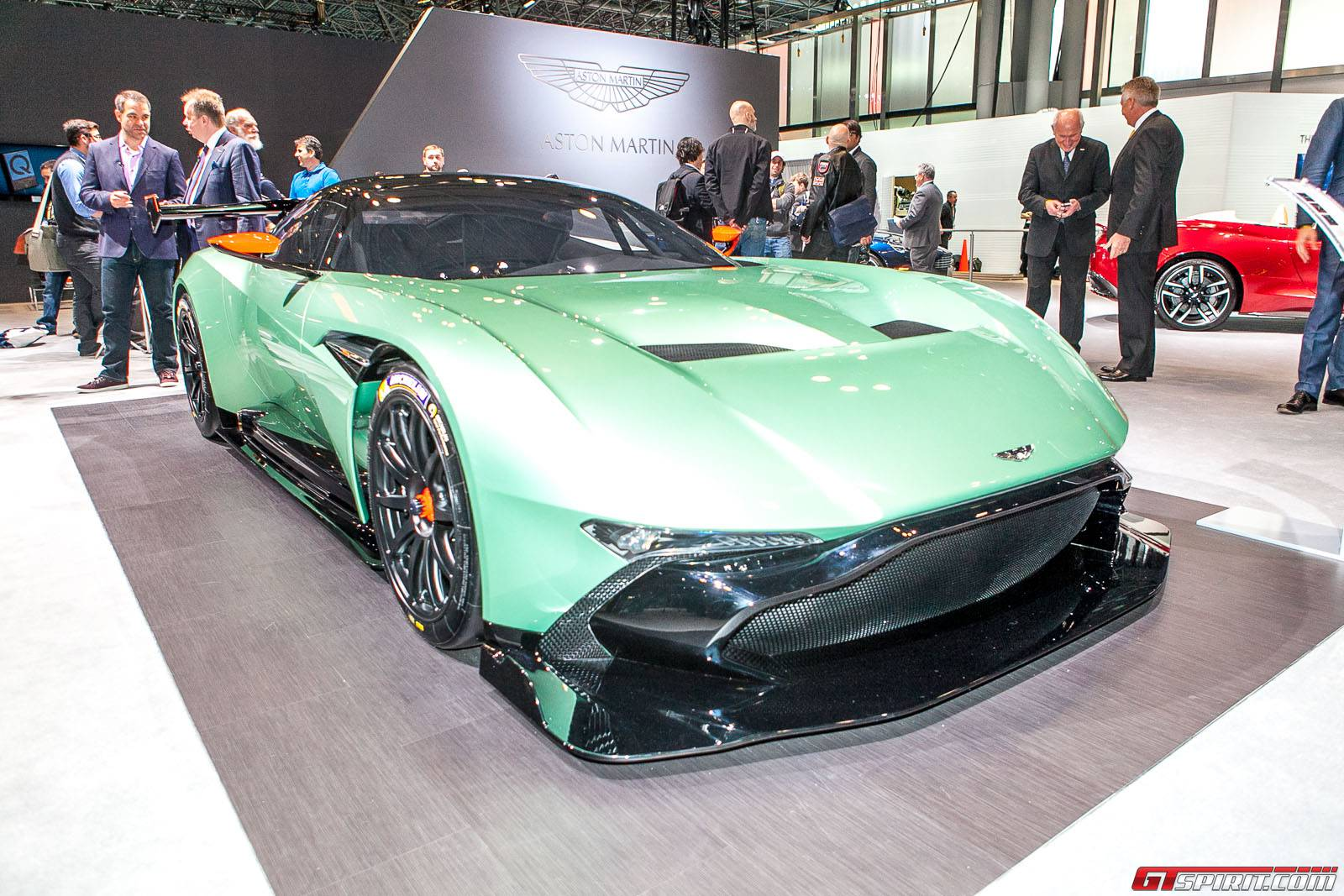 New York 2015: Aston Martin Vulcan