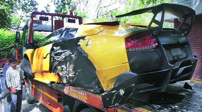 Lamborghini Murcielago LP670-4 SV Wrecked in Indian Hit and Run Accident
