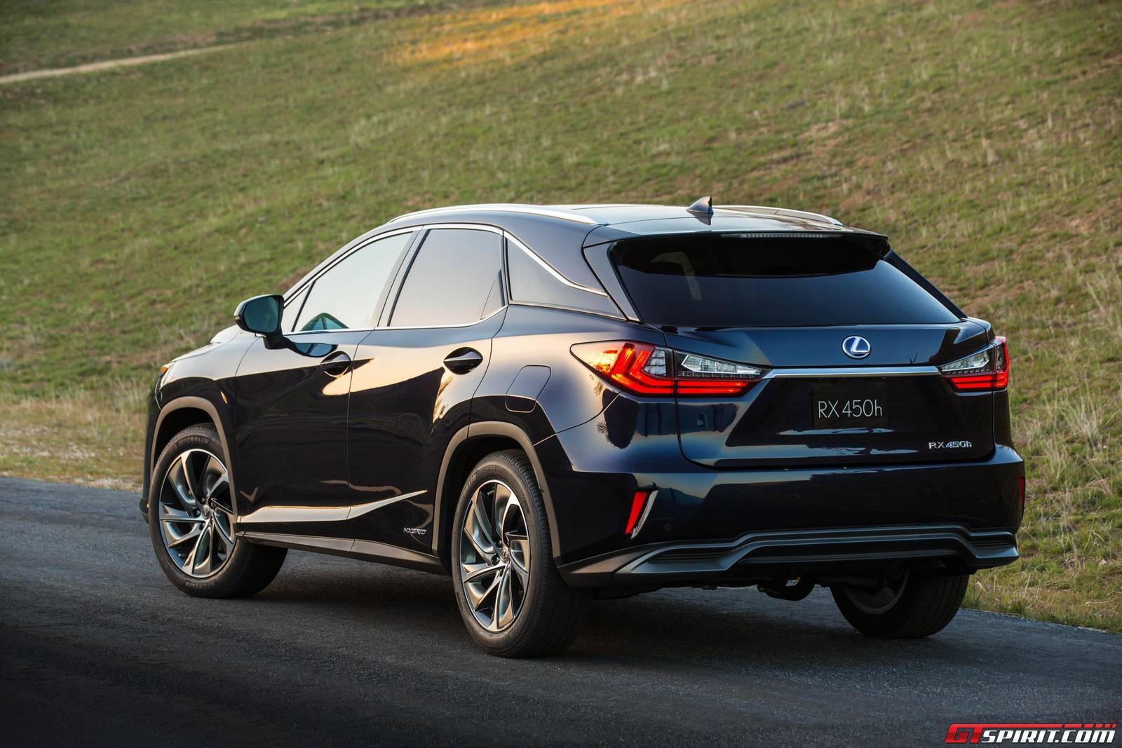 official 2016 lexus rx gtspirit. Black Bedroom Furniture Sets. Home Design Ideas
