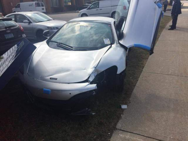 mclaren-dealer-employee-crashes-brand-new-650s-with-steering-wheel-still-wrapped-in-plastic_5