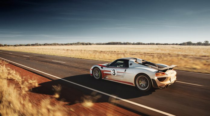 porsche-918-spyder-in-the-australian-outback_100508234_h