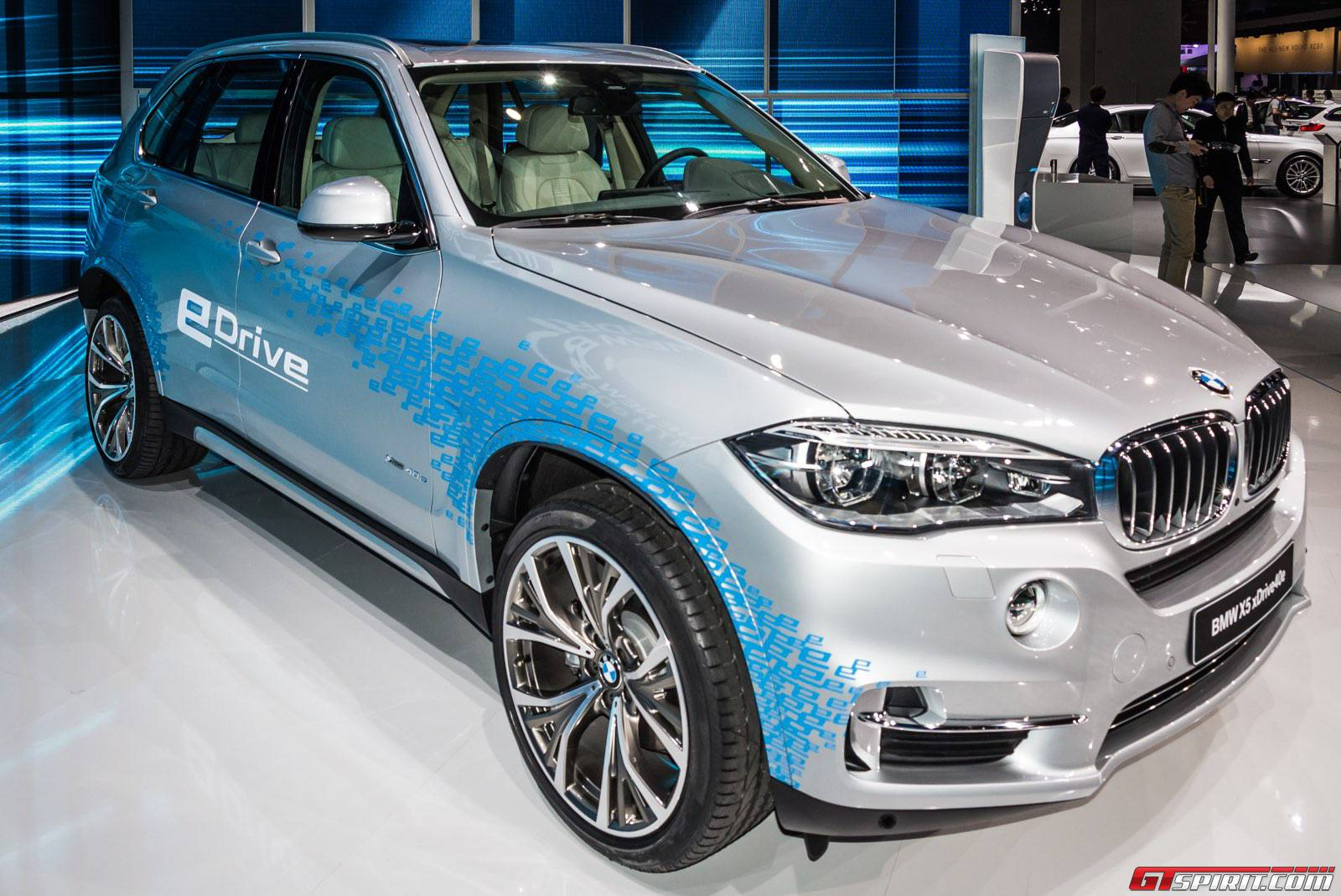shanghai 2015 bmw x5 xdrive40e gtspirit. Black Bedroom Furniture Sets. Home Design Ideas