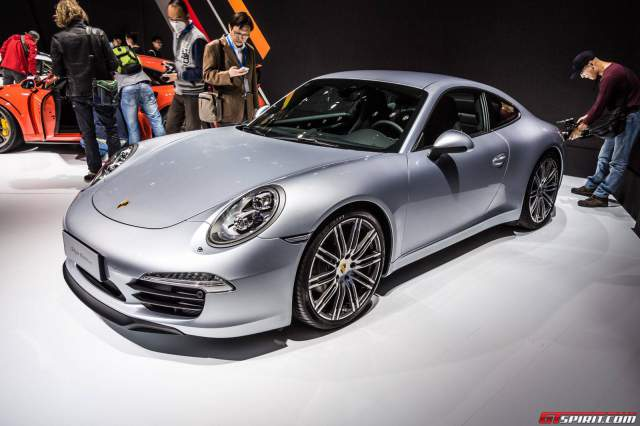 Porsche 911 Carrera Style Edition  front