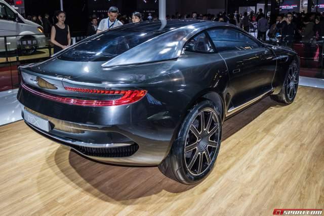 Aston Martin DBX Side Rear