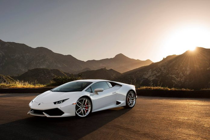 Photo of the Day: Stunning White Lamborghini Huracan in the Mountains