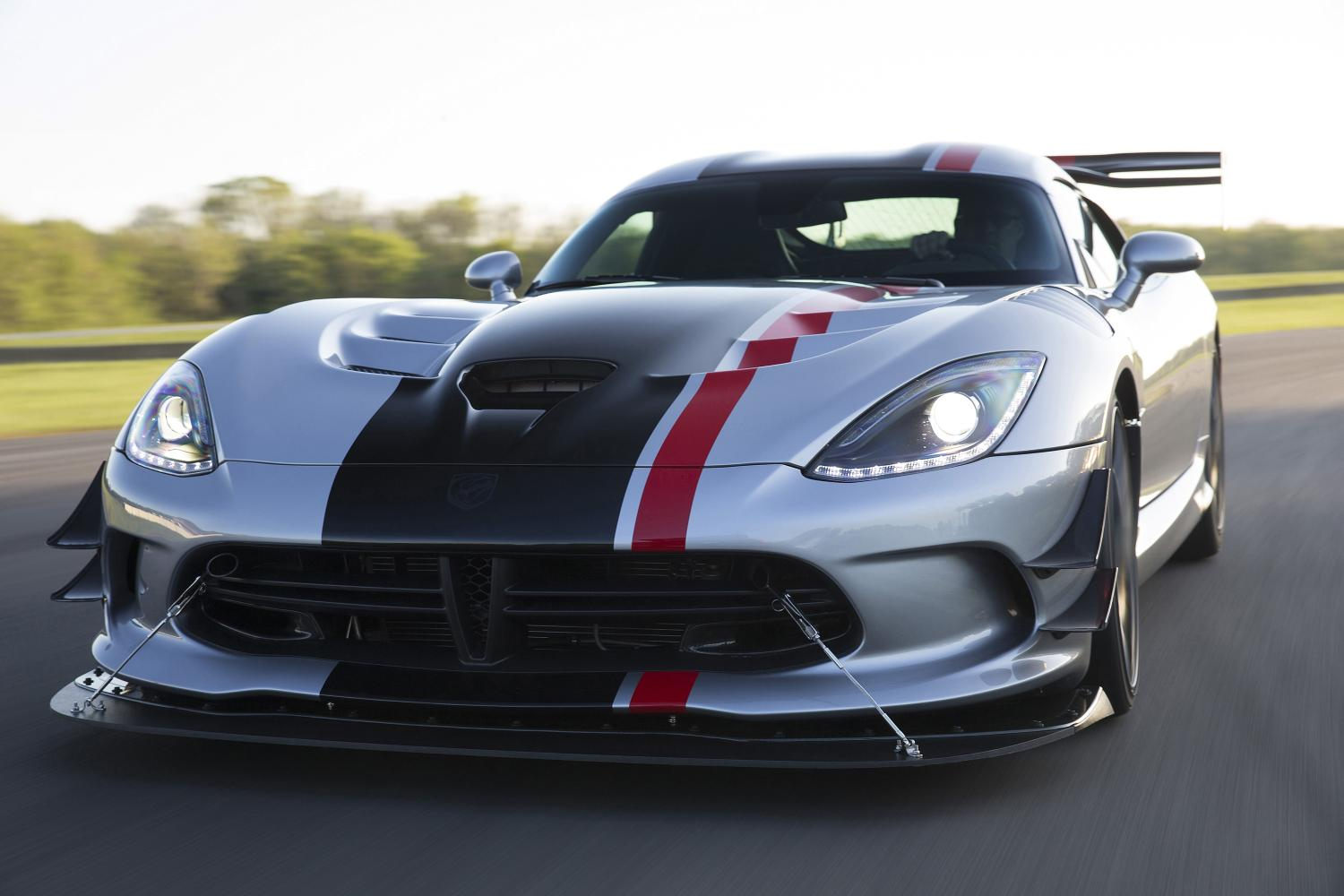 order books for the 2016 dodge viper acr now open gtspirit. Black Bedroom Furniture Sets. Home Design Ideas