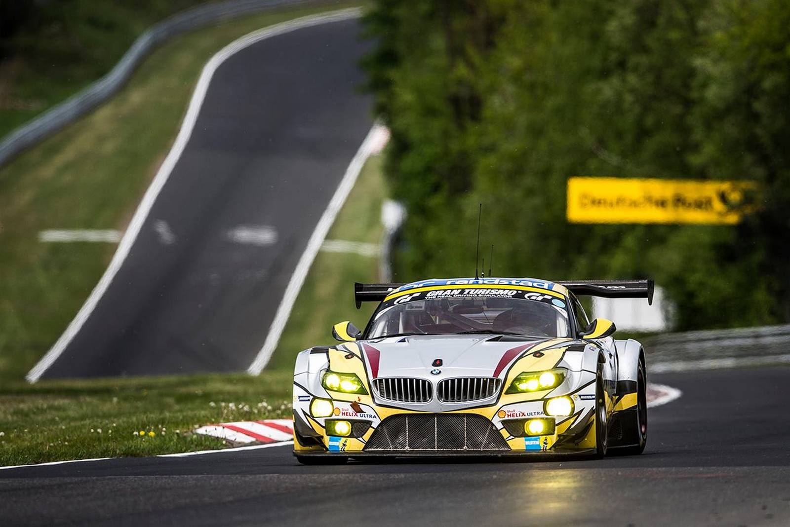 24 Hours Of Nurburgring Augusto Farfus Wins Pole For Bmw