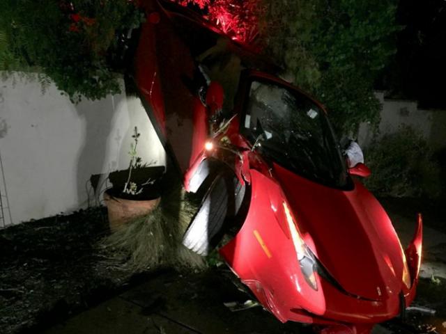 Ferrari 458 Spider crashes in California