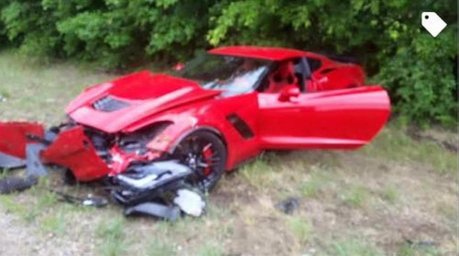 Video: Red Corvette Z06 Crashes During Acceleration Run