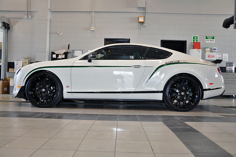 rare bentley continental gt3 r at distinctive collection. Black Bedroom Furniture Sets. Home Design Ideas