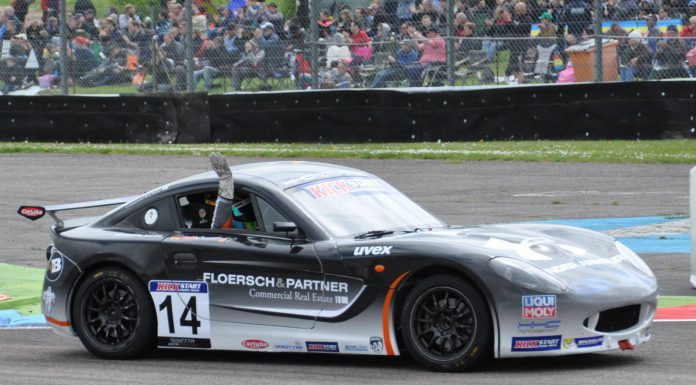 Sophia Floersch waves after her second win at Thruxton