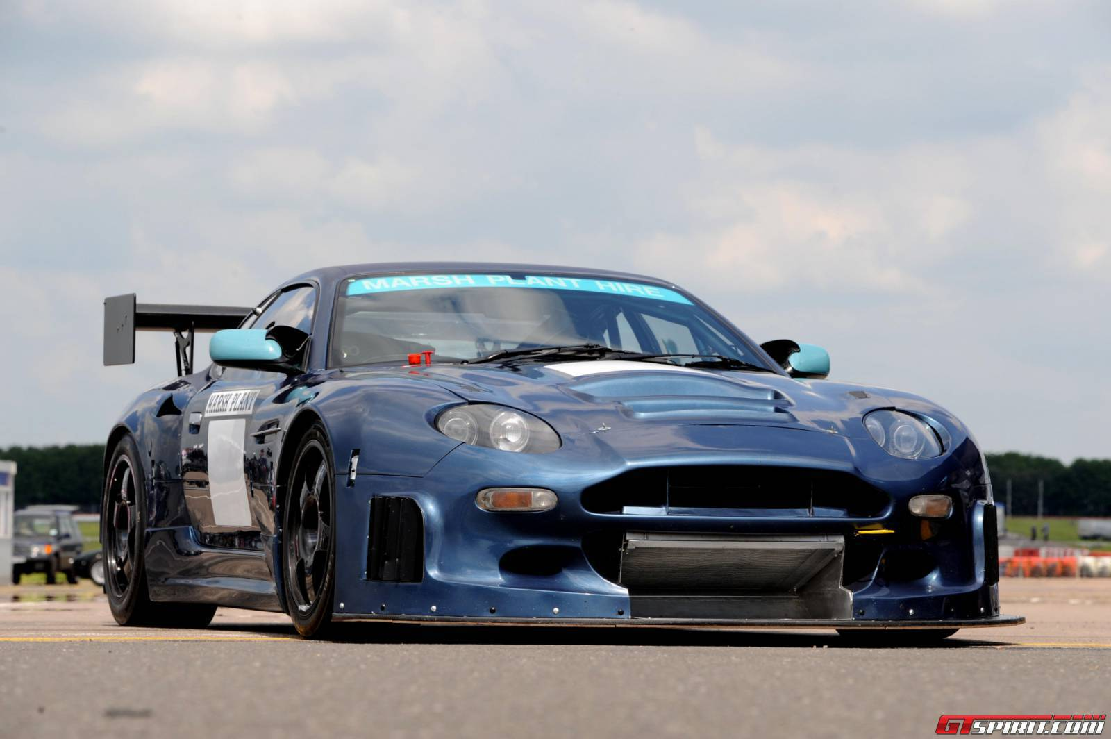 Peter Ustinov Car Tops  U00a31 5m In Record Aston Martin Sale