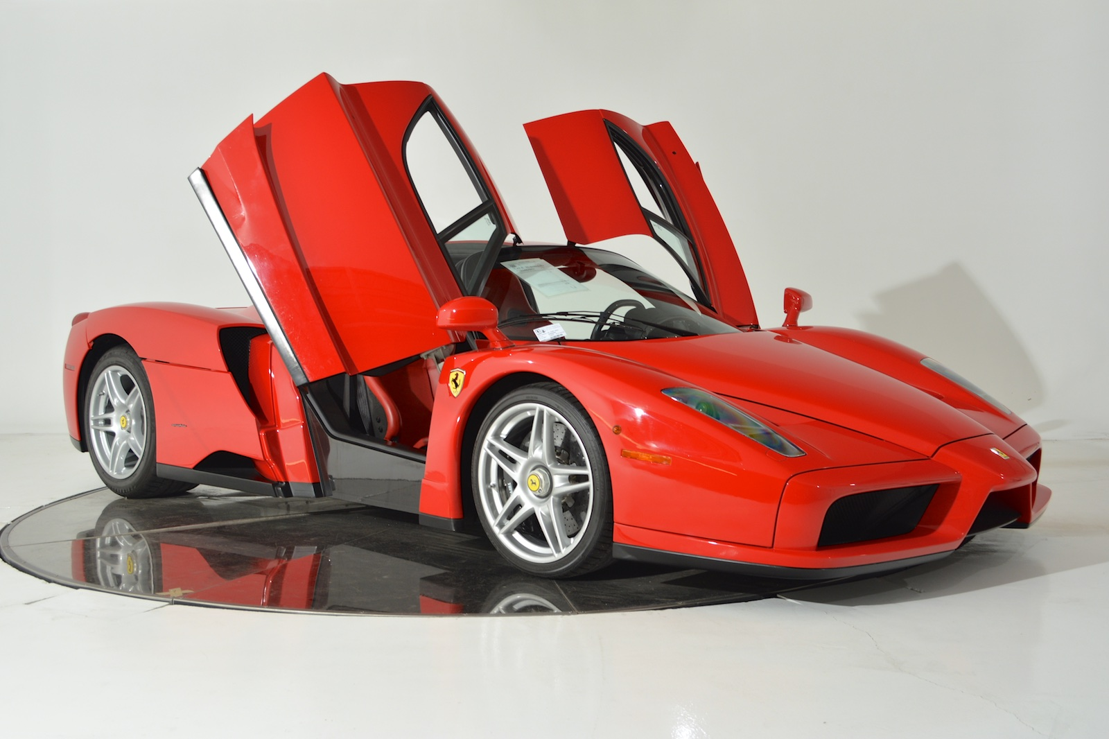 ferrari enzo for sale in fort lauderdale gtspirit. Black Bedroom Furniture Sets. Home Design Ideas