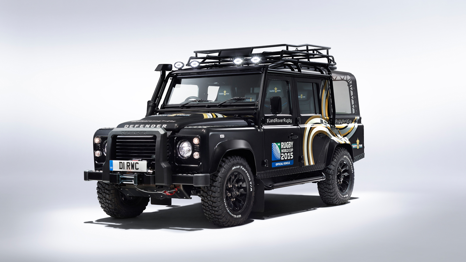land rover defender svo revealed for rugby world cup gtspirit. Black Bedroom Furniture Sets. Home Design Ideas
