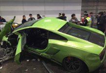 Lamborghini Gallardo and Ferrari 458 Spider crash