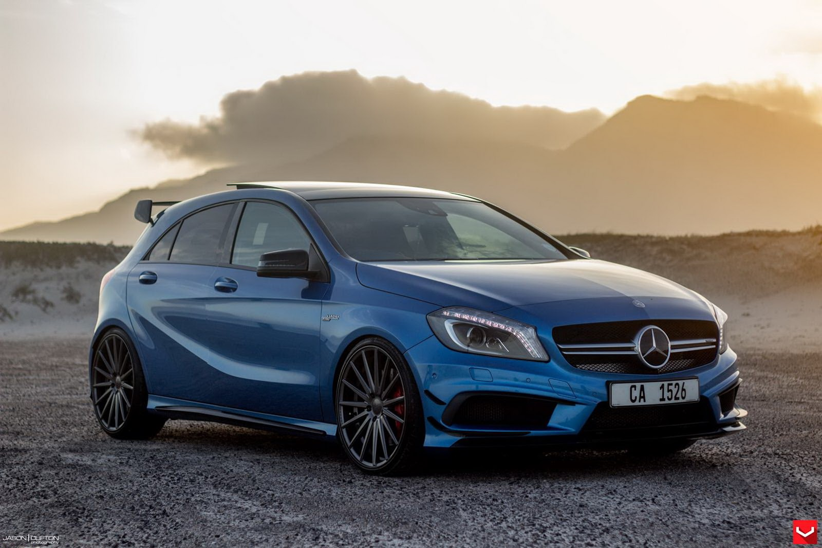 stunning blue mercedes benz a45 amg poses gtspirit. Black Bedroom Furniture Sets. Home Design Ideas