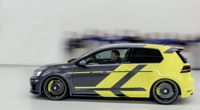 Volkswagen Golf GTI Dark Shine side