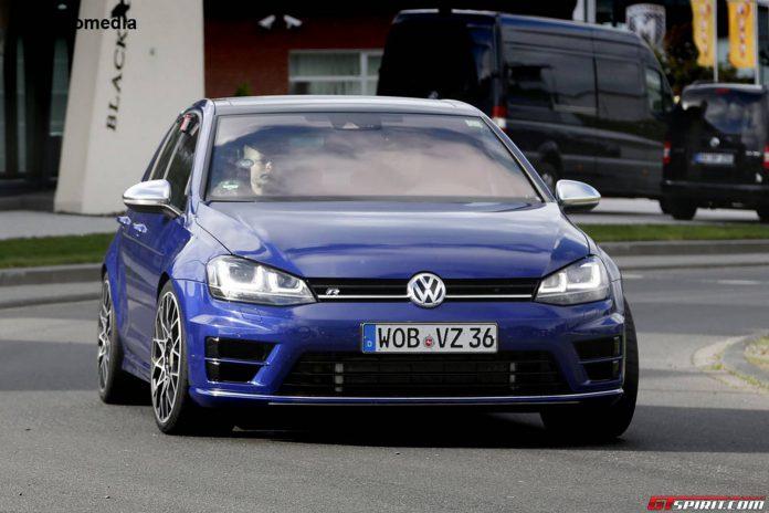 VW Golf R400 Spy Shots