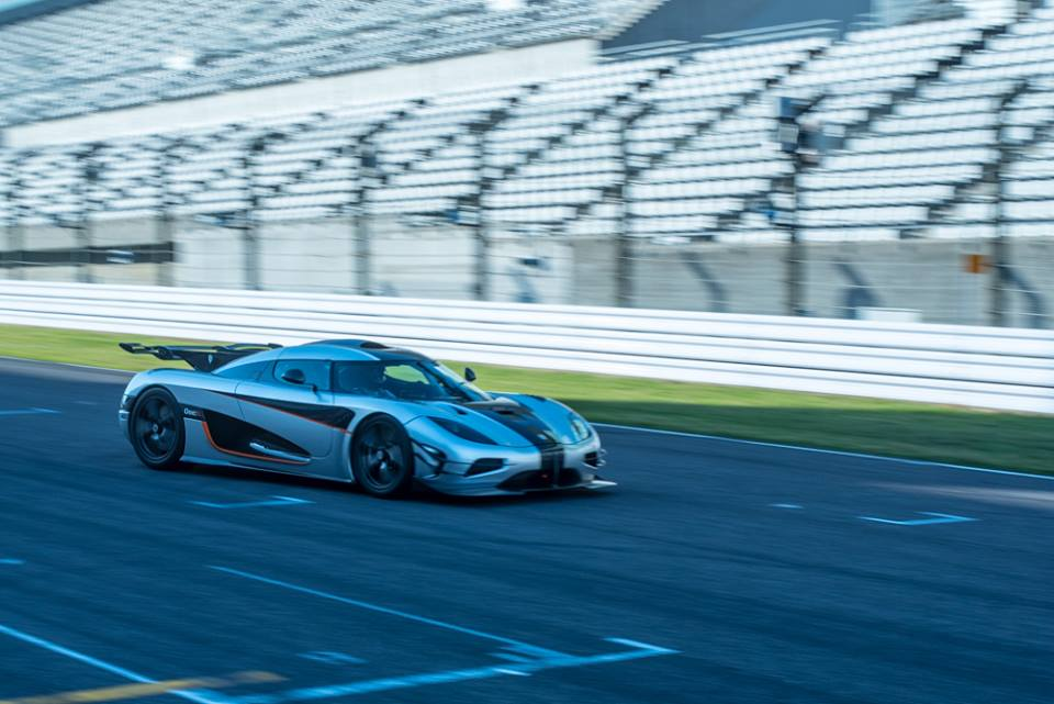 Koenigsegg One:1 Sets New World Record of 0-300-0Km/h in 17.95s