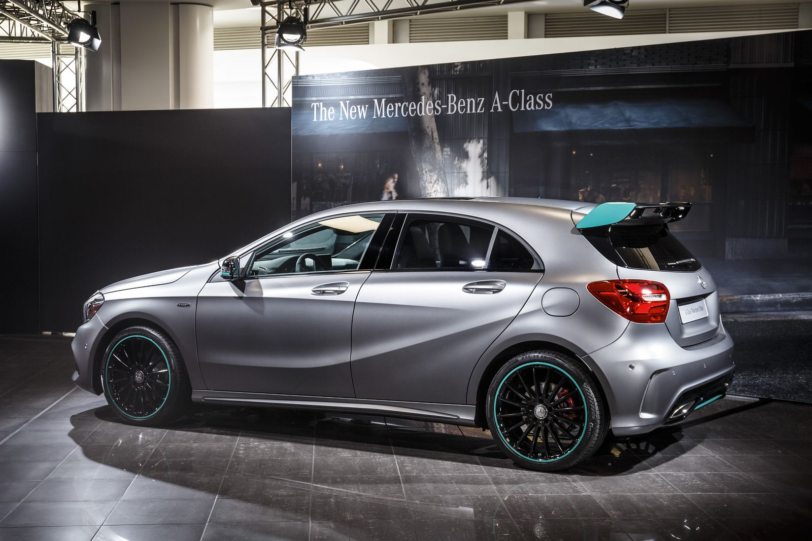 Gallery 2016 mercedes benz a class and a45 world premiere for Mercedes benz motorsport