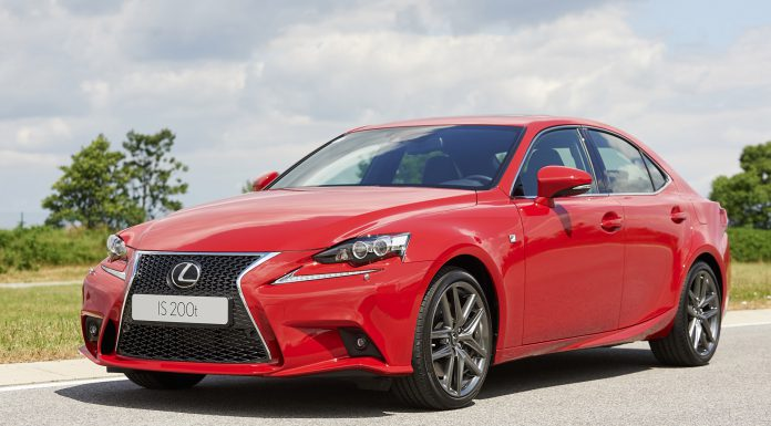 Lexus IS200t revealed front