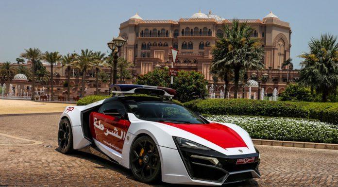 Dubai Police Lykan Hypersport chilling